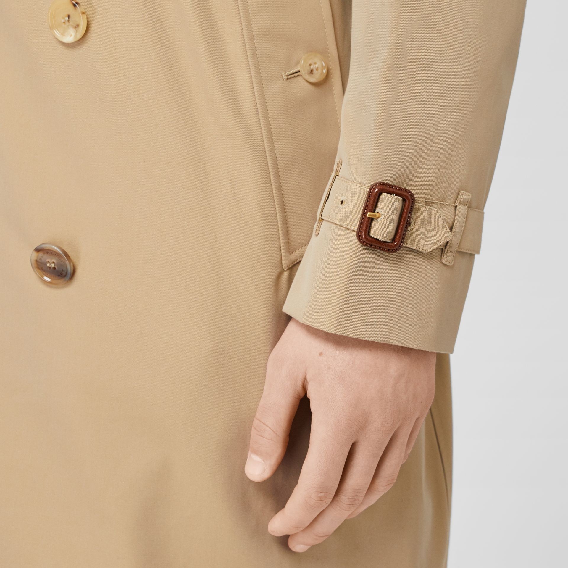 The Kensington Heritage Trench Coat in Honey - Men | Burberry - gallery image 6