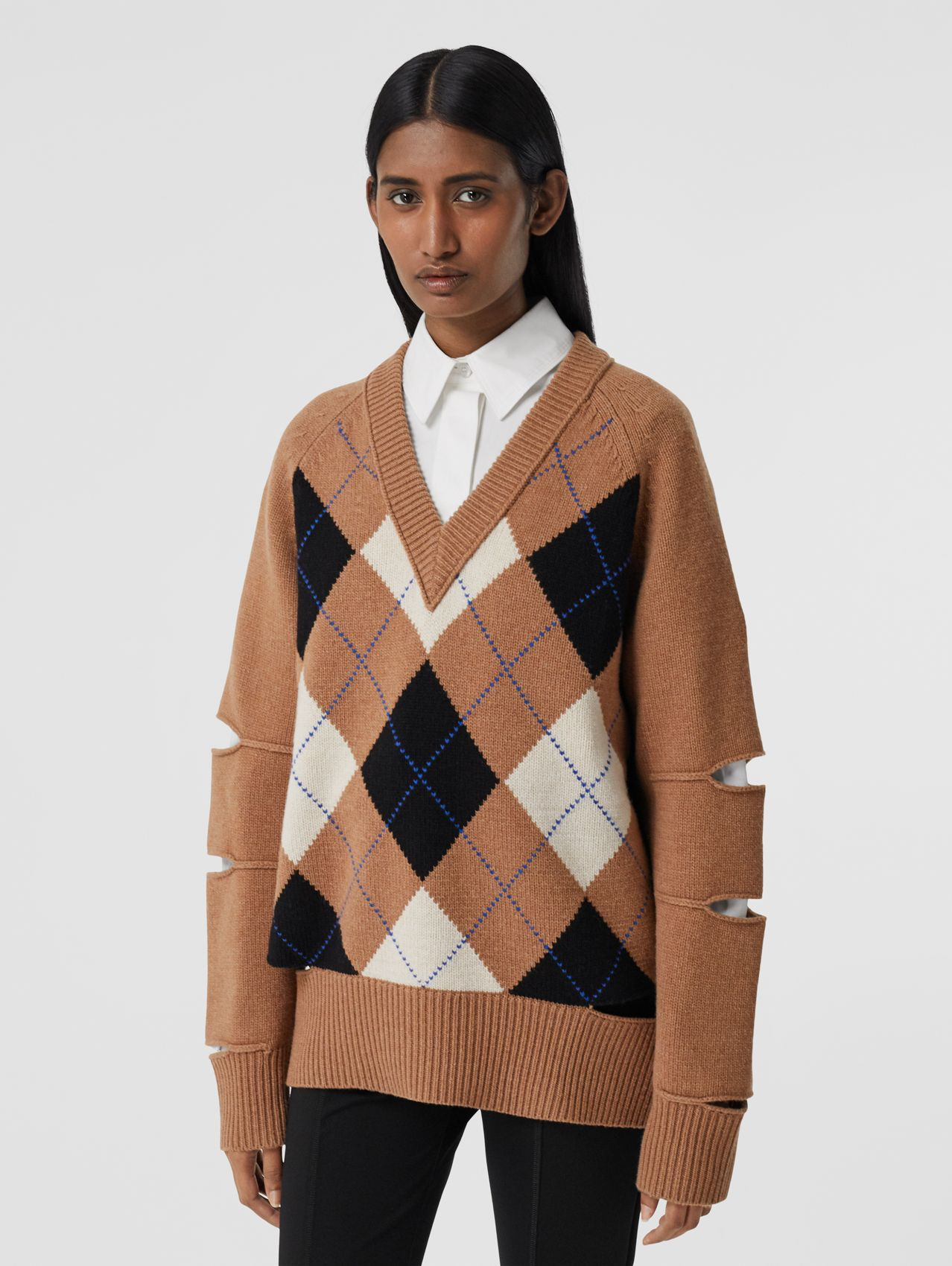Cut-out Detail Argyle Intarsia Wool Cashmere Sweater in Camel