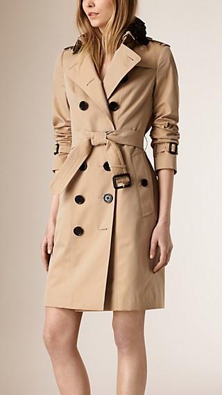 Trench coat in gabardine di cotone con collo in pizzo