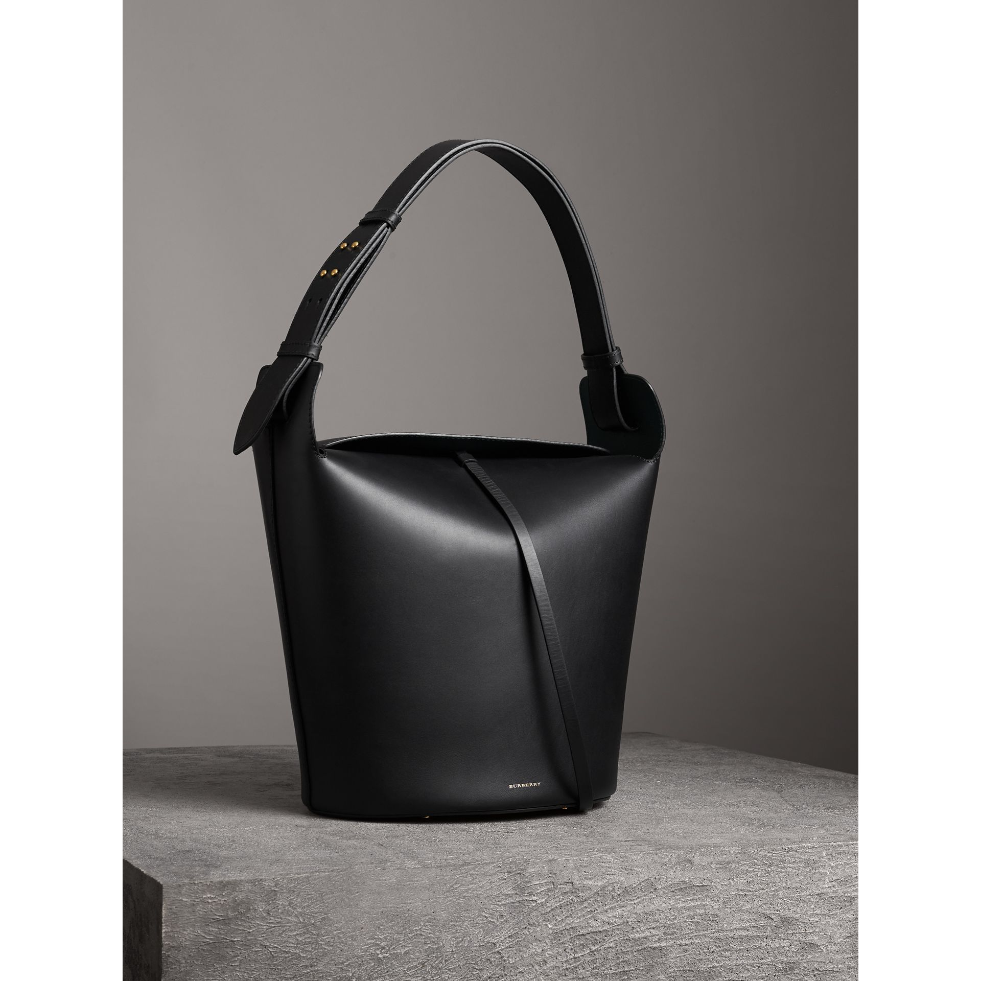 The Large Leather Bucket Bag in Black - Women | Burberry - gallery image 5