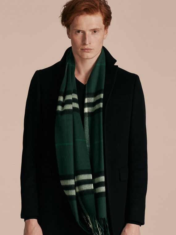 Dark forest green The Classic Cashmere Scarf in Check Dark Forest Green - cell image 3