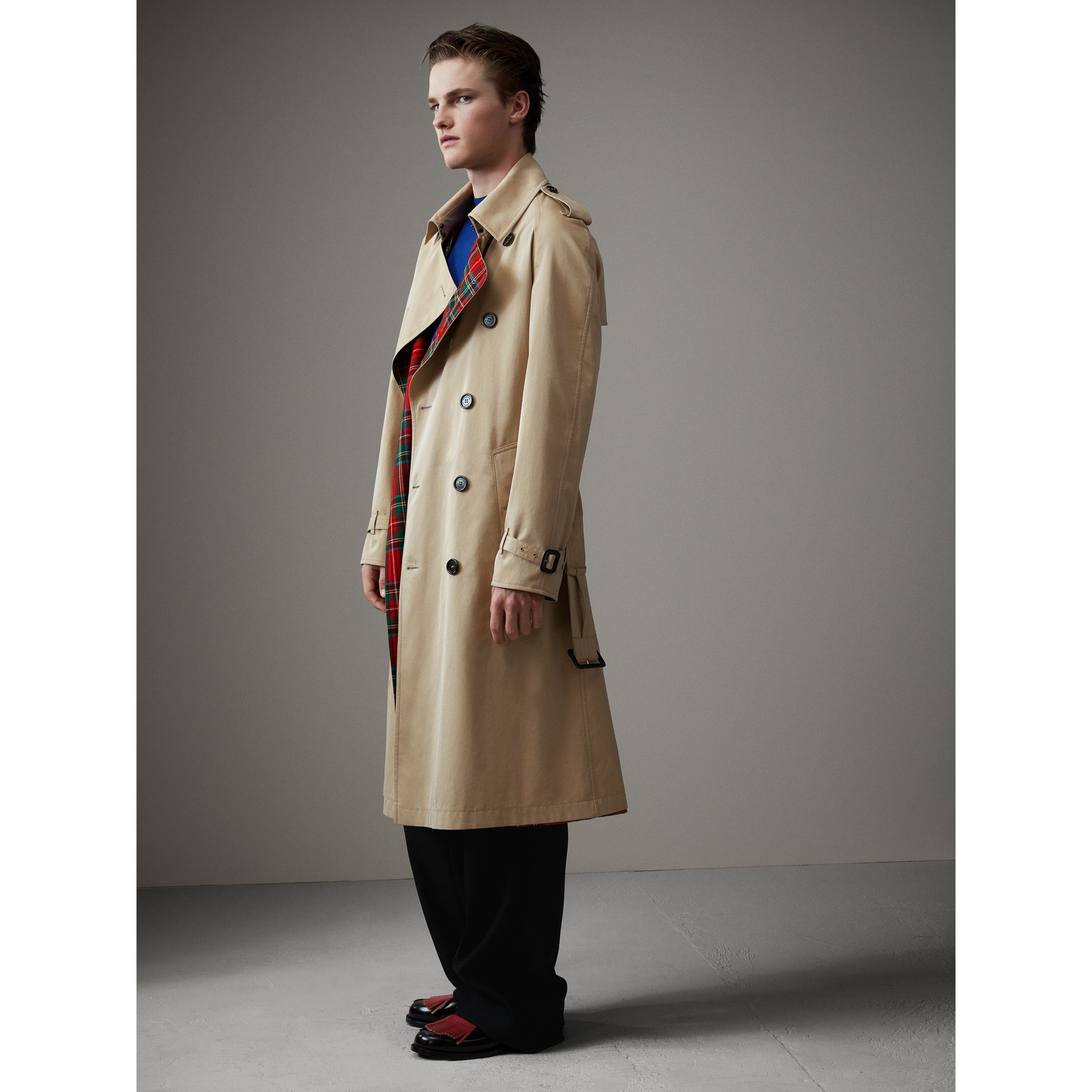 Tartan-lined Cotton Gabardine Trench Coat in Honey - Men | Burberry Australia - gallery image 4