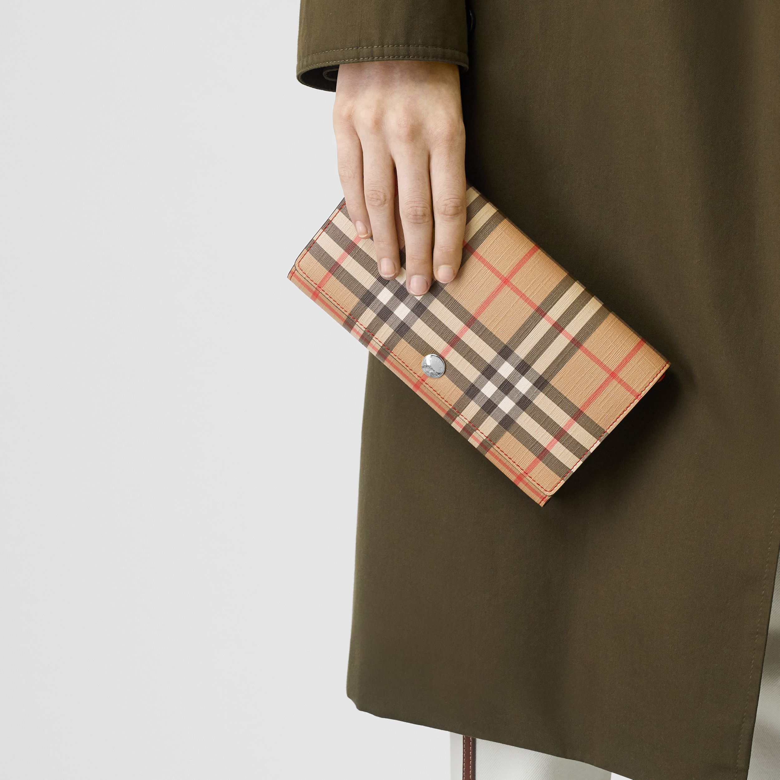 Vintage Check E-canvas Wallet with Detachable Strap in Bright Military Red - Women | Burberry - 3