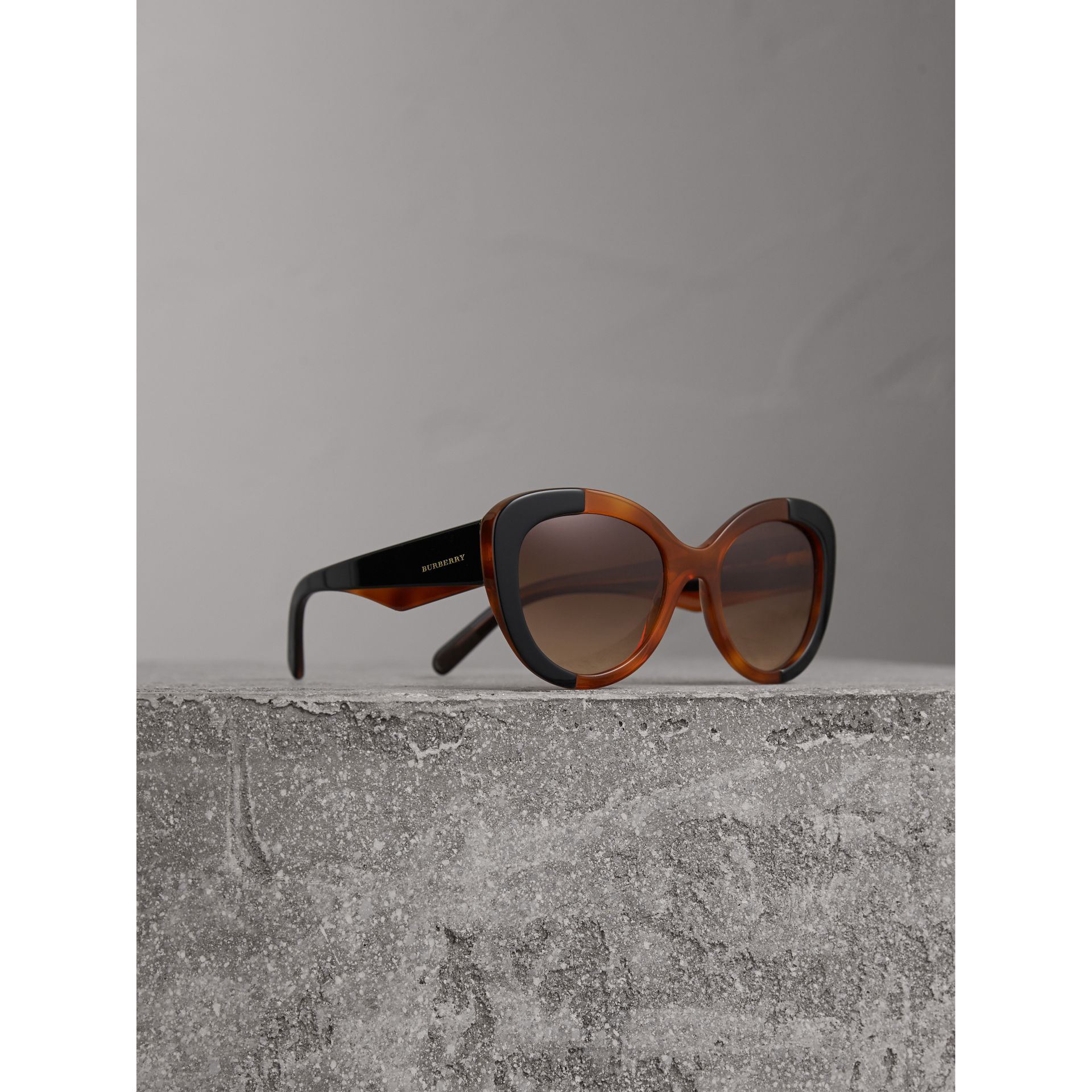 Round Frame Sunglasses in Light Brown - Women | Burberry Hong Kong - gallery image 1