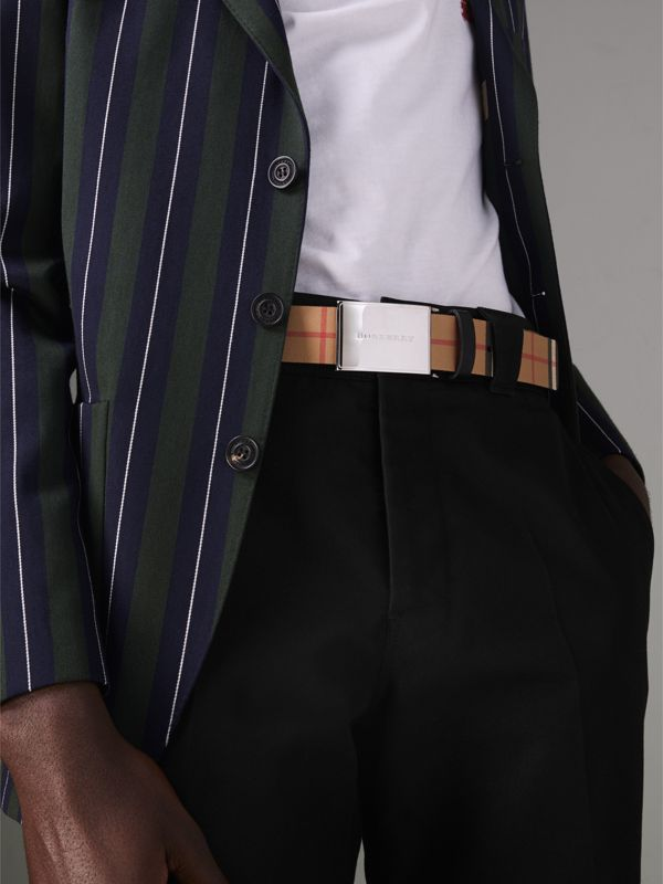 Plaque Buckle Vintage Check Leather Belt in Black - Men | Burberry United Kingdom - cell image 2