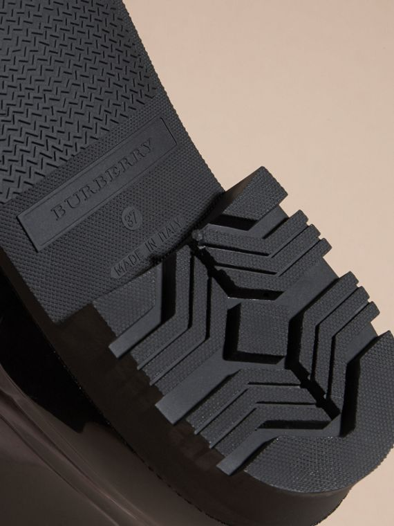 黑色/溫莎紅 蟒紋細節設計雨靴 黑色/溫莎紅 - cell image 3