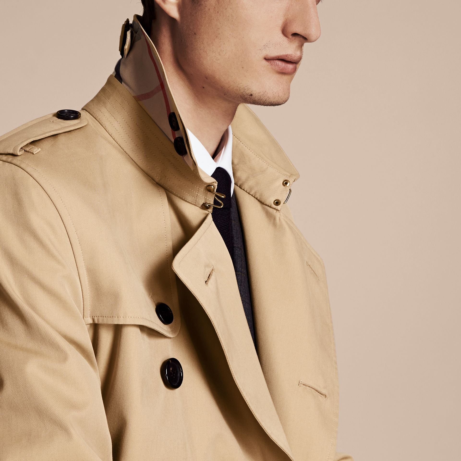 Miel The Kensington – Trench-coat Heritage court Miel - photo de la galerie 5