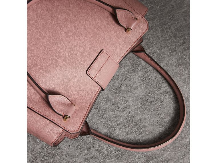 The Medium Buckle Tote in Grainy Leather in Dusty Pink - Women | Burberry - cell image 4