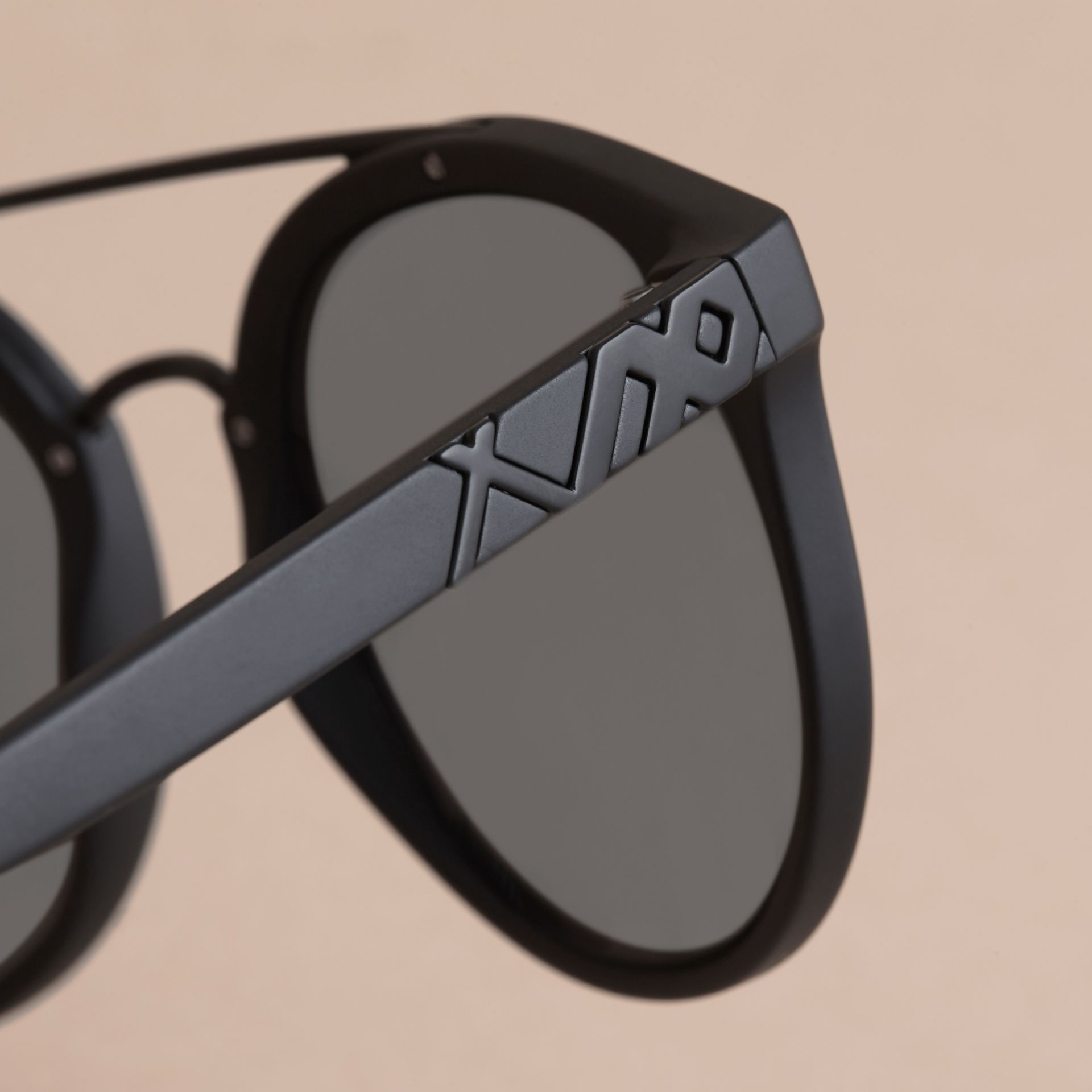 Top Bar Round Frame Sunglasses in Black - Men | Burberry United States - gallery image 2