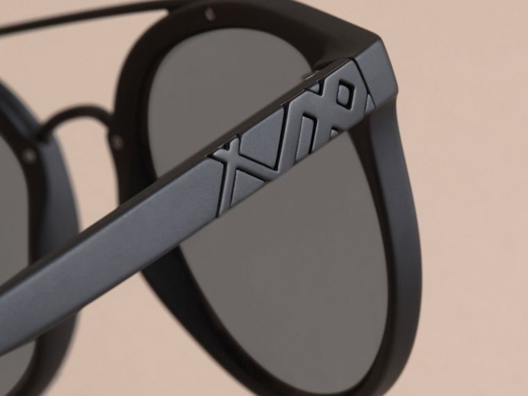 Top Bar Round Frame Sunglasses in Black | Burberry - cell image 1
