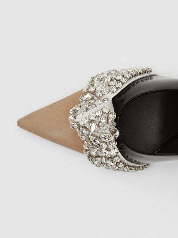 Spitz zulaufende Pumps aus Leder und Veloursleder mit Kristalldetail (Schwarz) - Damen | Burberry - cell image 1