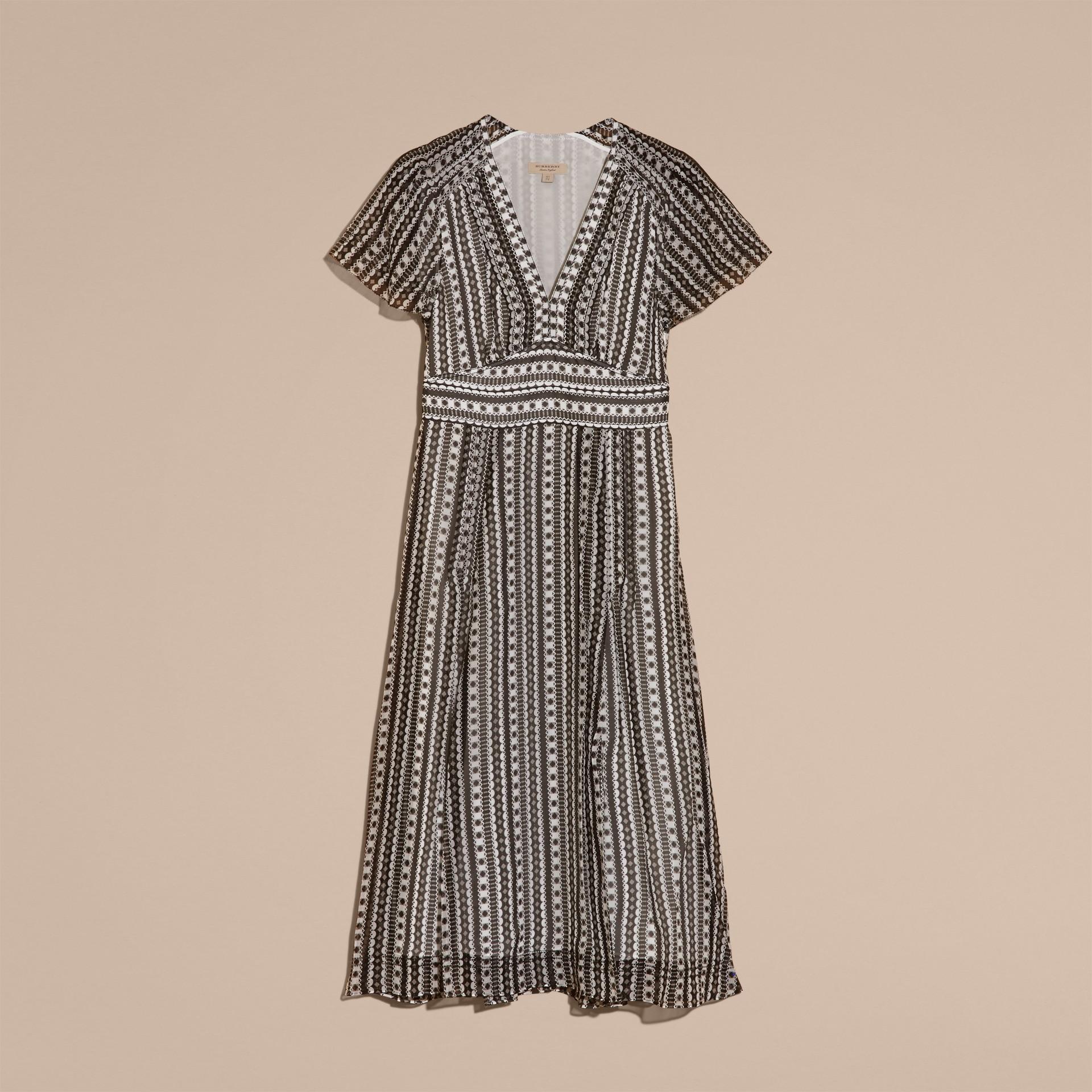 Blanc Robe en soie à imprimé géométrique avec nervures - photo de la galerie 4