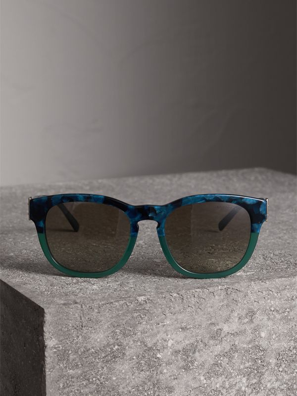 Buckle Detail Square Frame Sunglasses in Blue - Women | Burberry Singapore - cell image 3