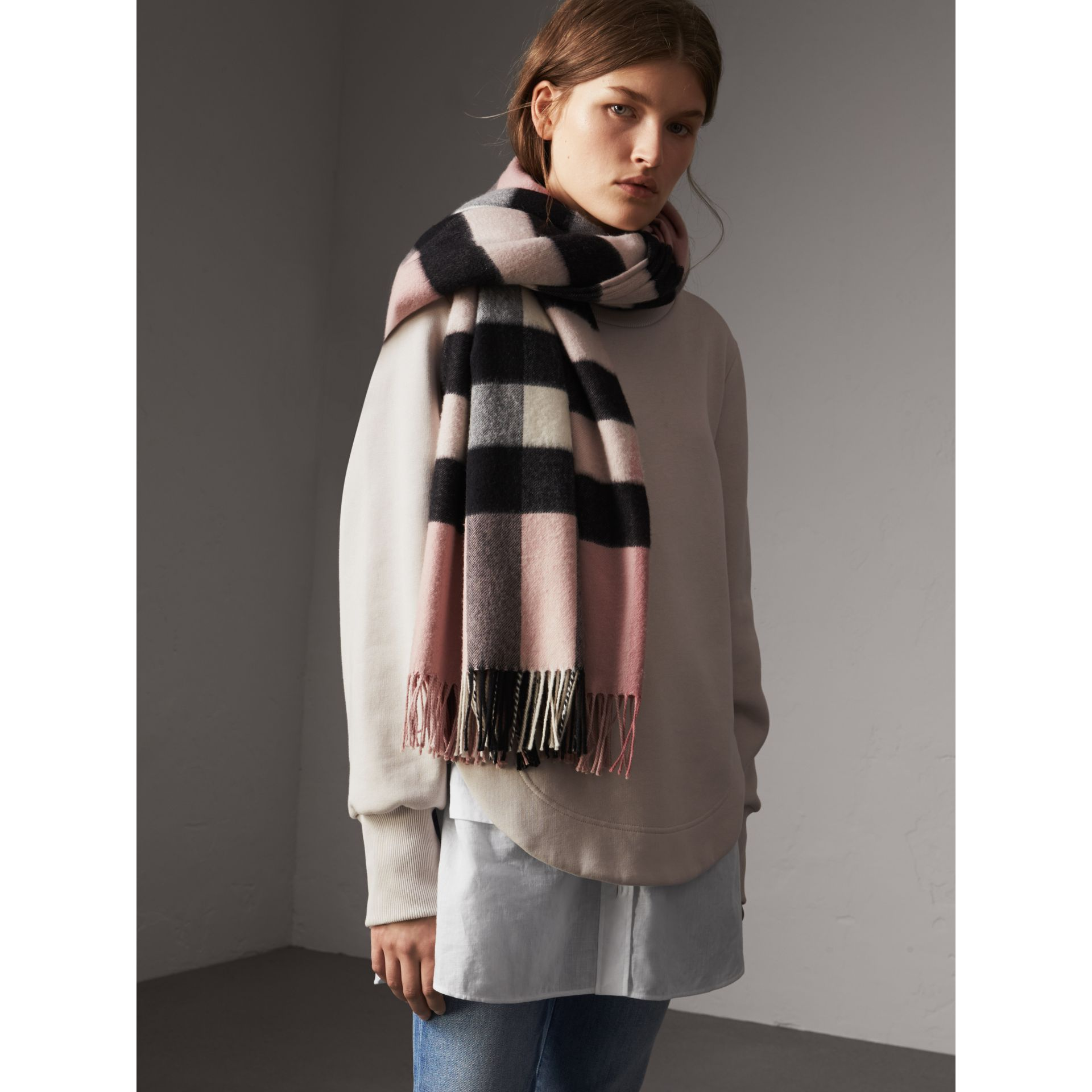 Check Cashmere and Wool Poncho in Ash Rose - Women | Burberry Canada - gallery image 3