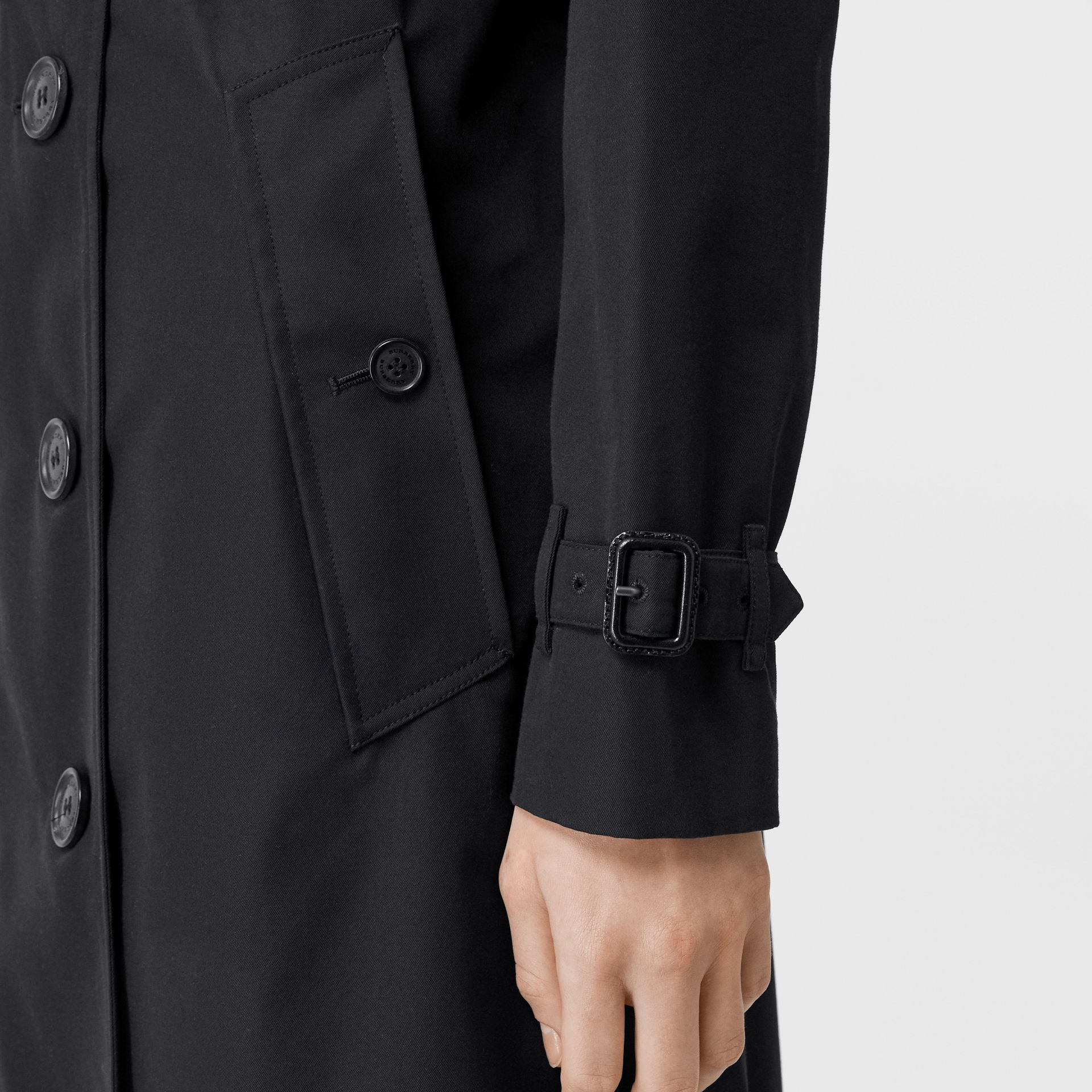 The Long Kensington Heritage Trench Coat in Midnight - Women | Burberry - gallery image 6