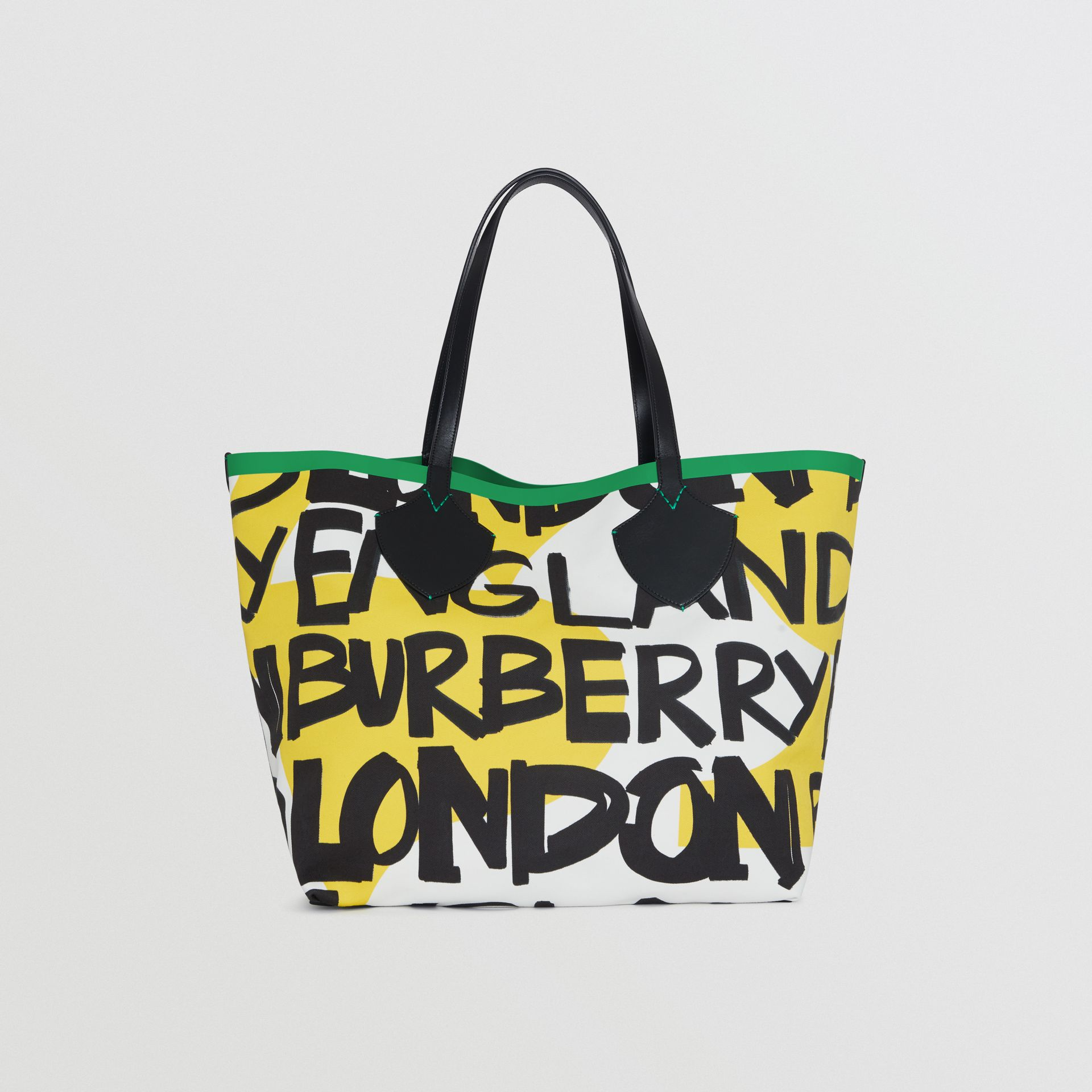 The Giant Tote in Graffiti Print Cotton in Black/green | Burberry - gallery image 5