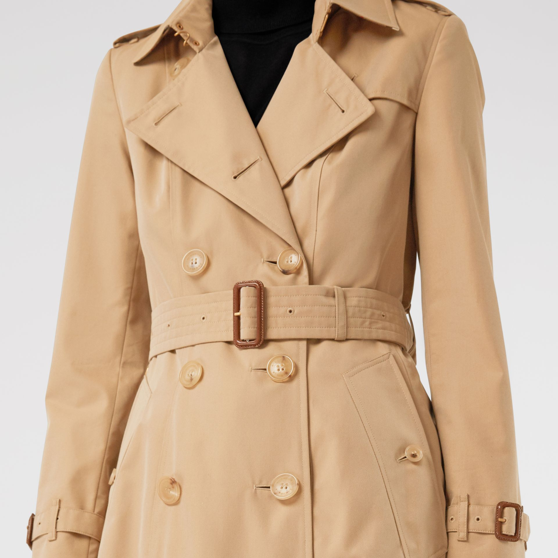 Trench coat Heritage The Chelsea (Miele) - Donna | Burberry - immagine della galleria 4