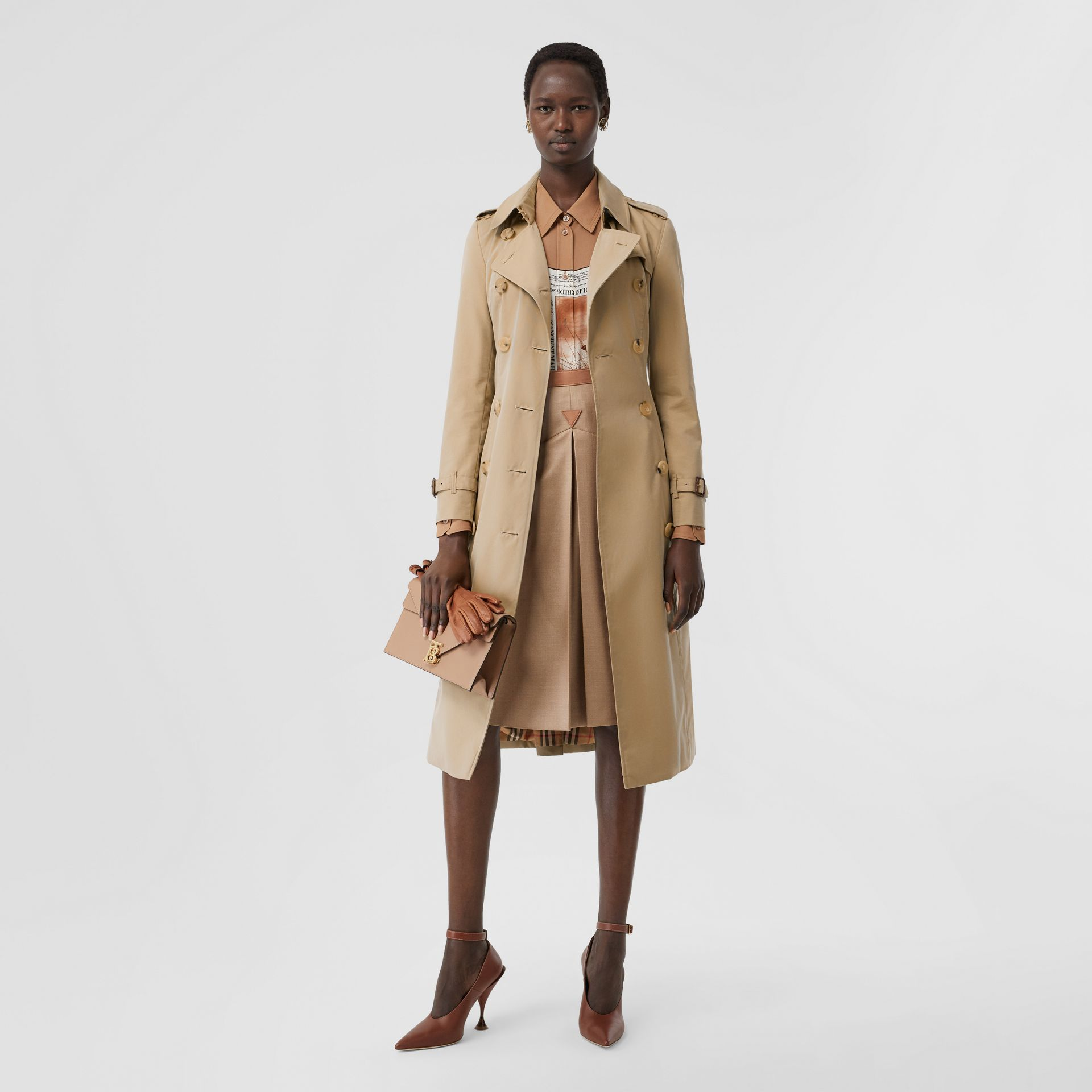 The Long Chelsea Heritage Trench Coat in Honey | Burberry - gallery image 0