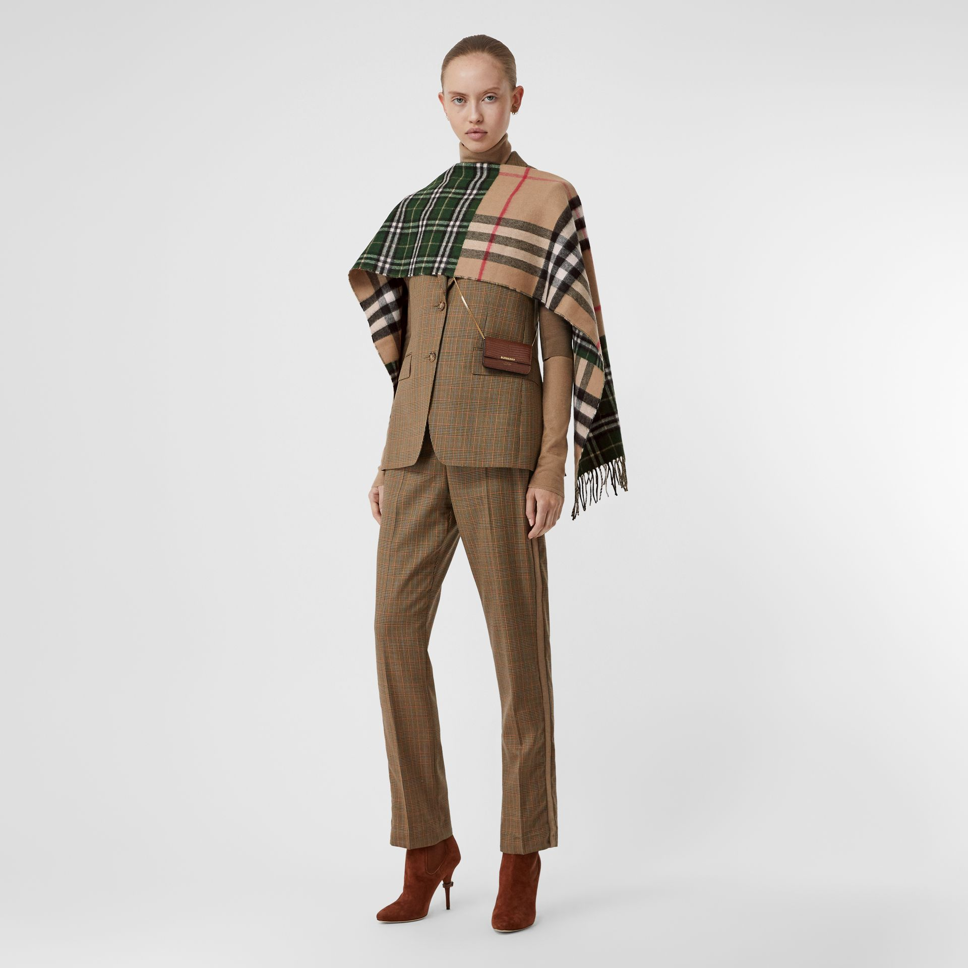 Contrast Check Cashmere Merino Wool Jacquard Scarf in Dark Pine Green | Burberry United Kingdom - gallery image 6
