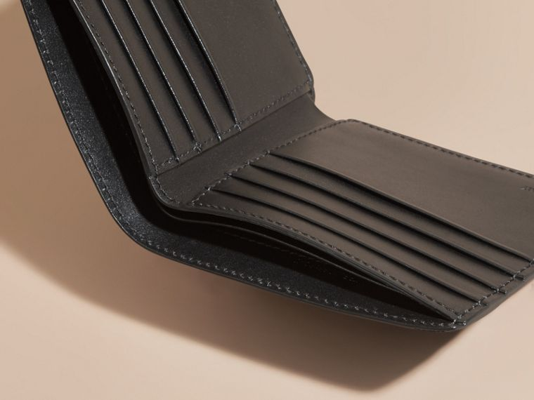 London Leather International Bifold Wallet in Black | Burberry Singapore - cell image 4