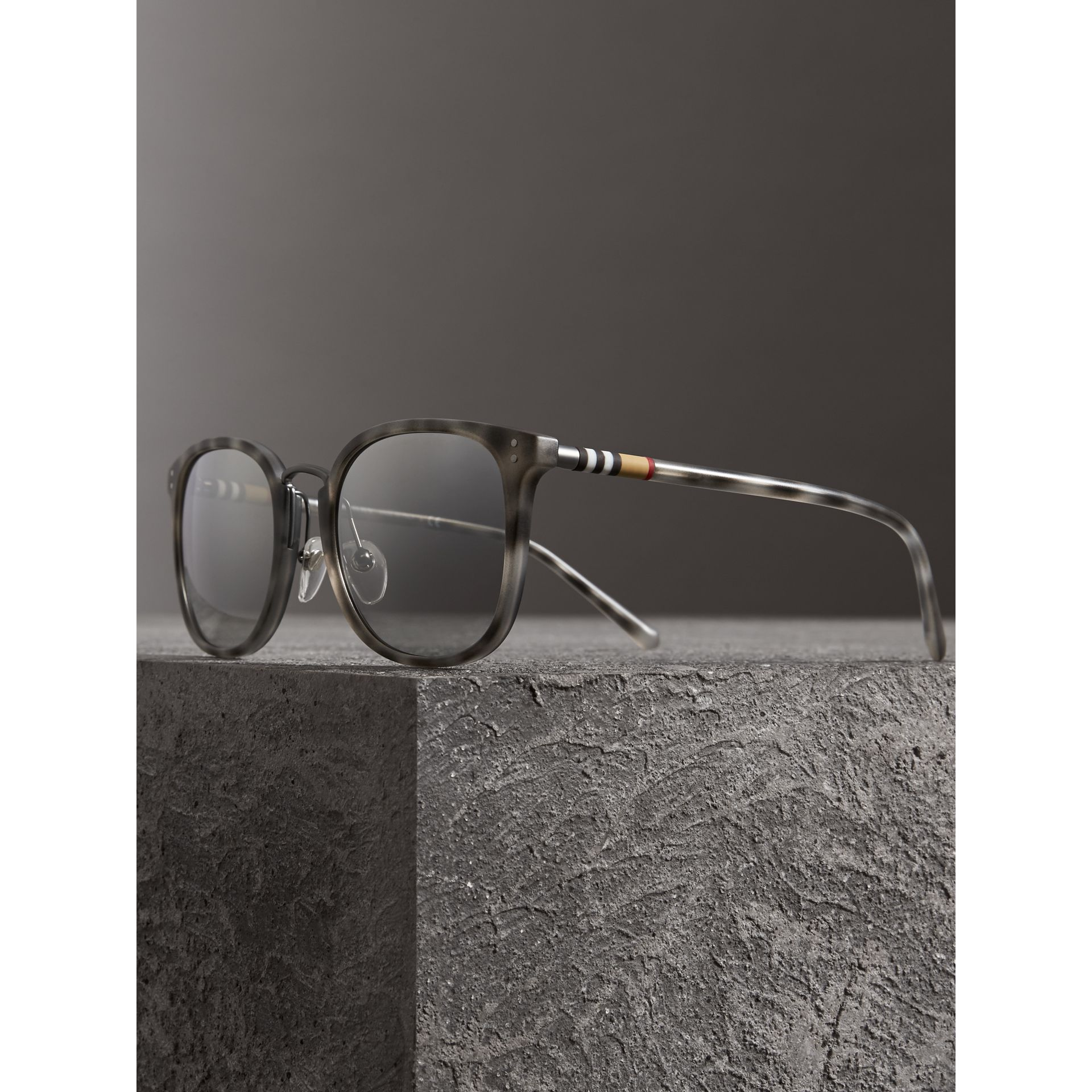 Square Frame Acetate Sunglasses in Chalk Grey - Men | Burberry - gallery image 3