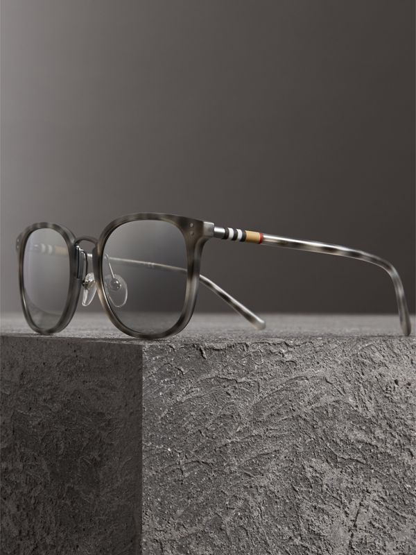 Square Frame Acetate Sunglasses in Chalk Grey - Men | Burberry - cell image 3