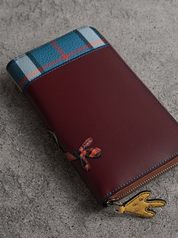 Creature Appliqué Leather Ziparound Wallet in Burgundy Red - Men | Burberry - cell image 2