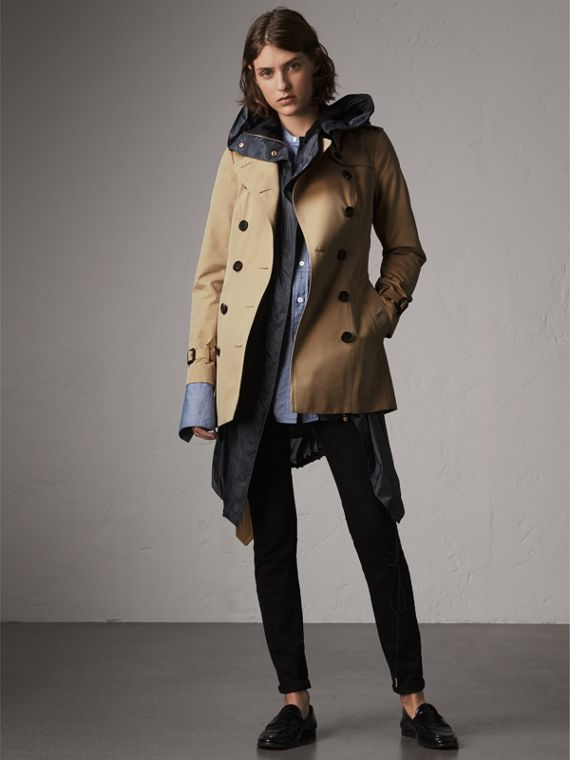 The Sandringham – Short Trench Coat in Honey