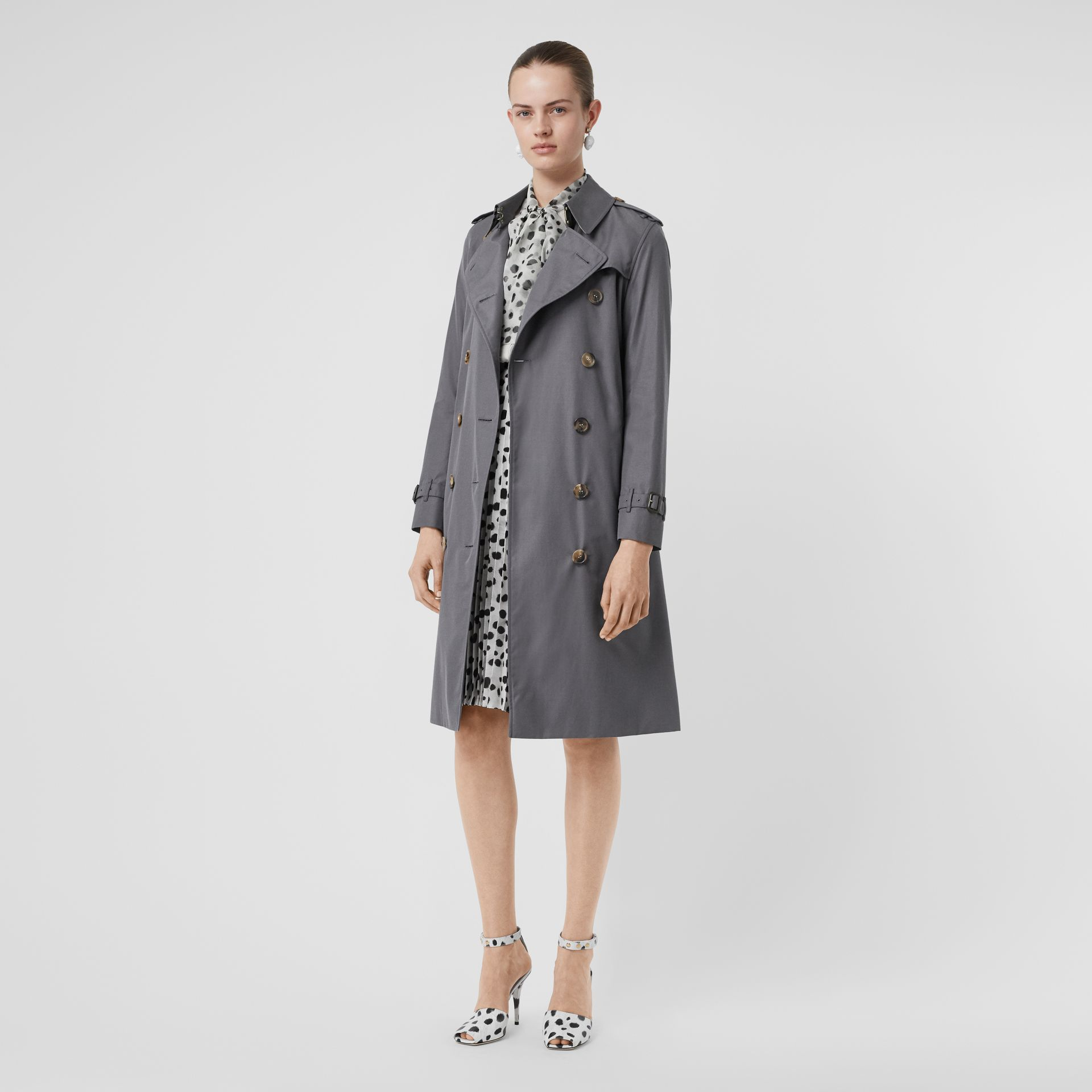 The Long Kensington Heritage Trench Coat in Mid Grey - Women | Burberry Singapore - gallery image 0