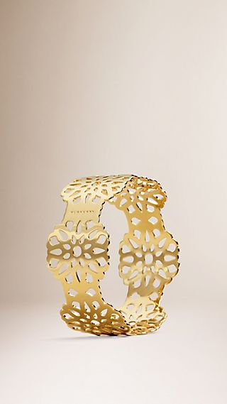 Floral Lace Cut-out Brass Cuff