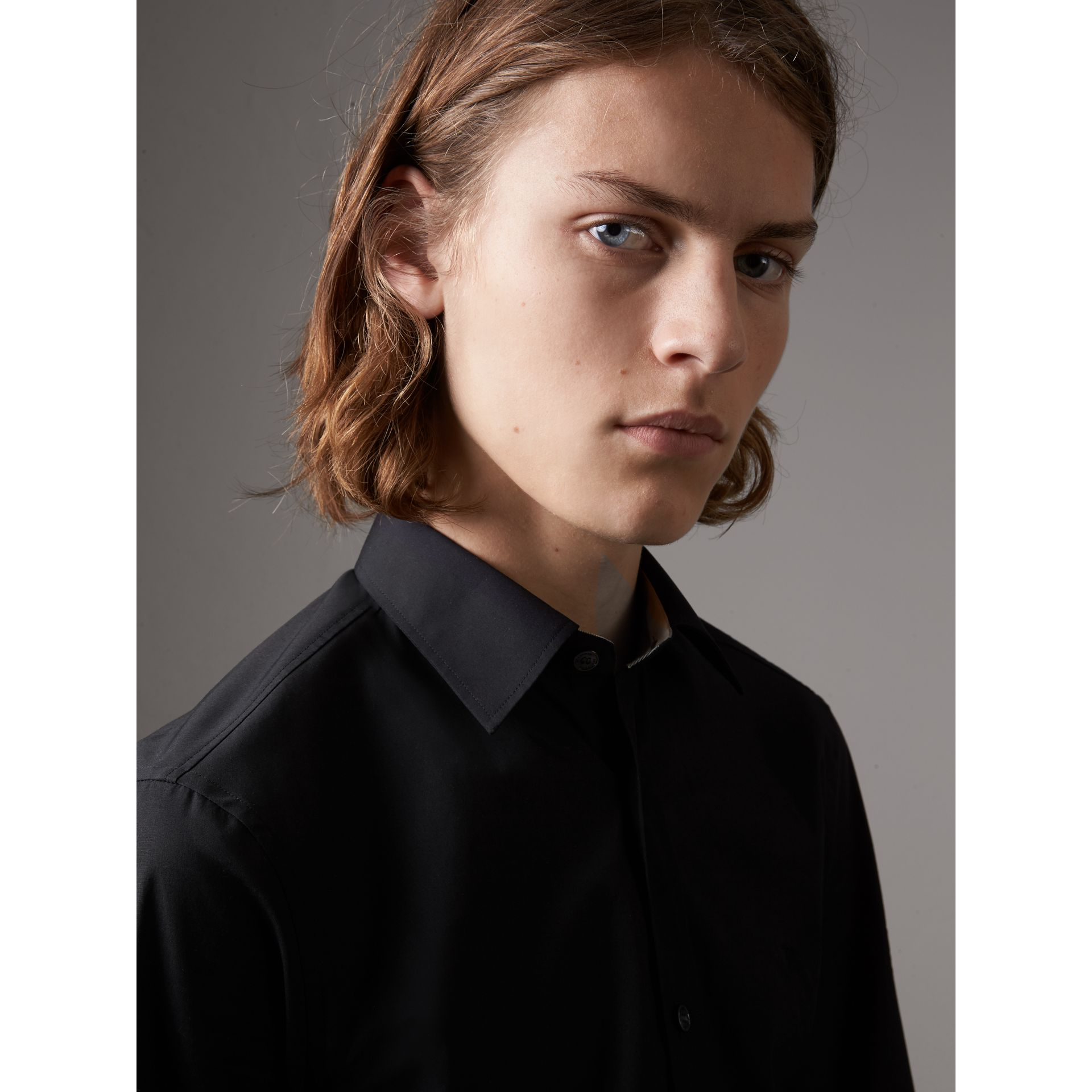 Check Detail Stretch Cotton Poplin Shirt in Black - Men | Burberry Canada - gallery image 1