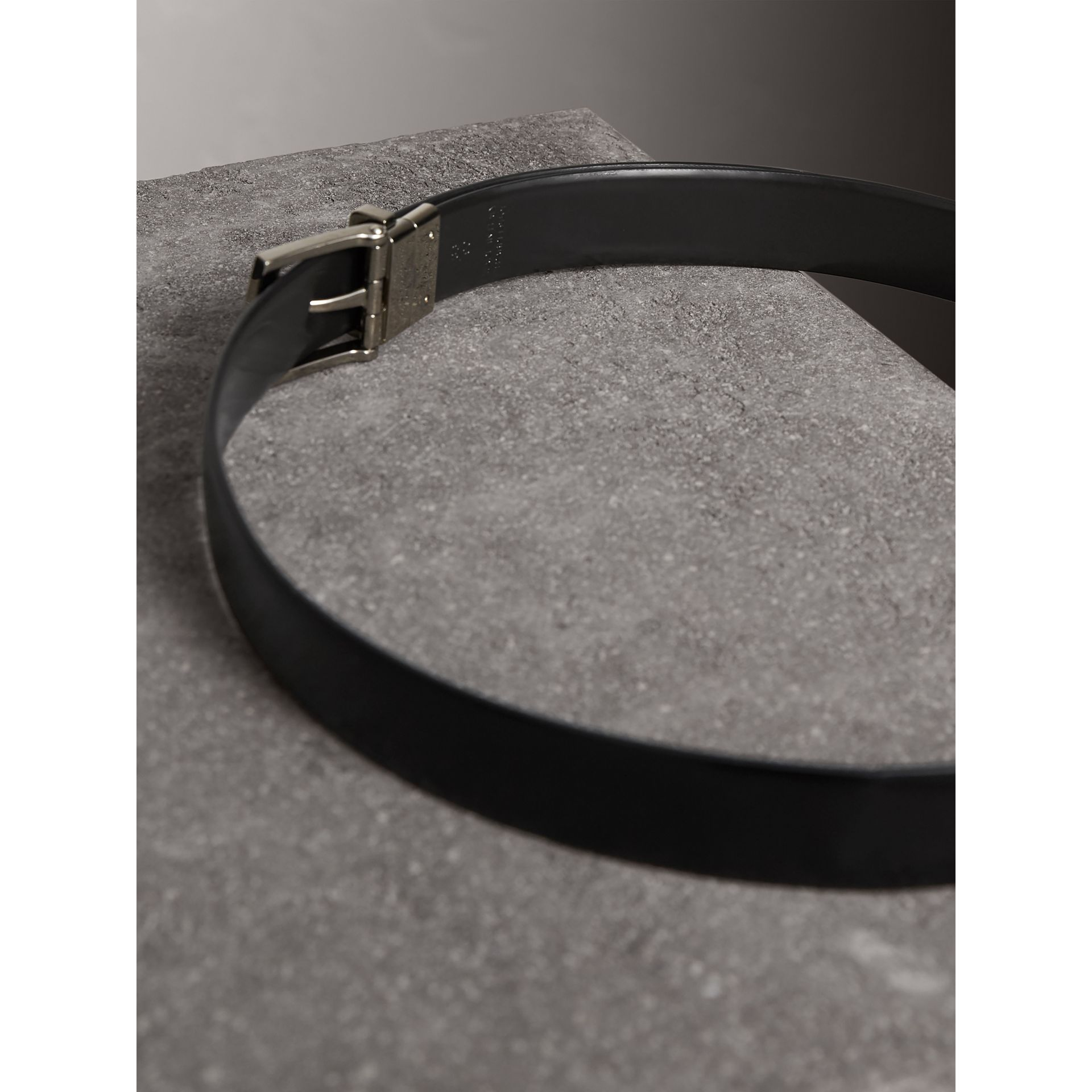 Reversible Bridle Leather Belt in Black/chocolate - Men | Burberry United Kingdom - gallery image 4