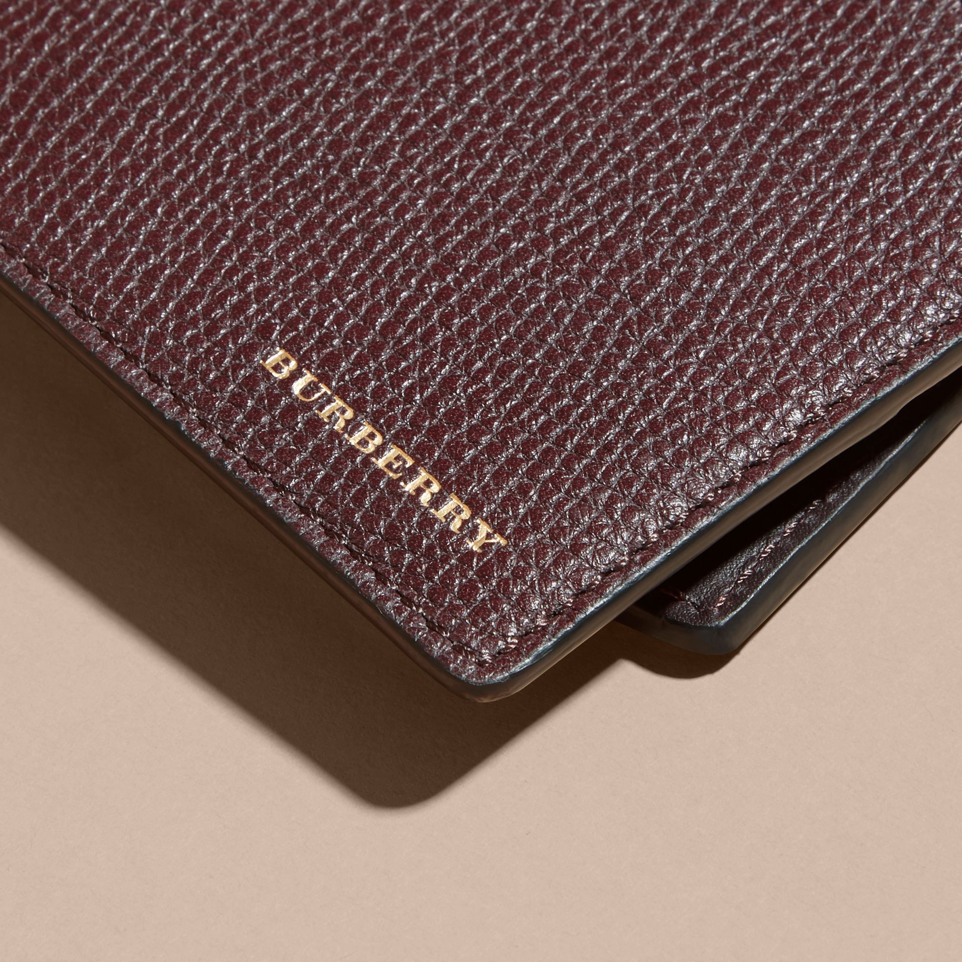 Grainy Leather and House Check Bifold Wallet in Wine | Burberry - gallery image 4