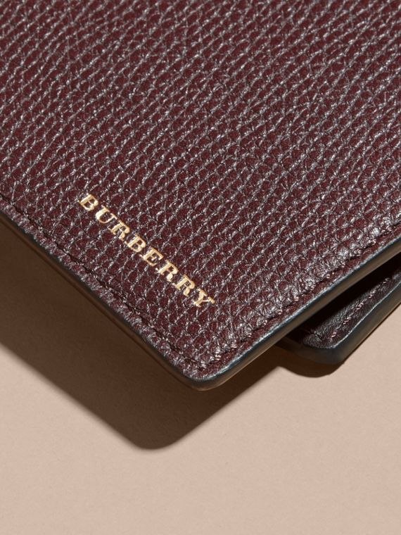 Grainy Leather and House Check Bifold Wallet in Wine | Burberry - cell image 3