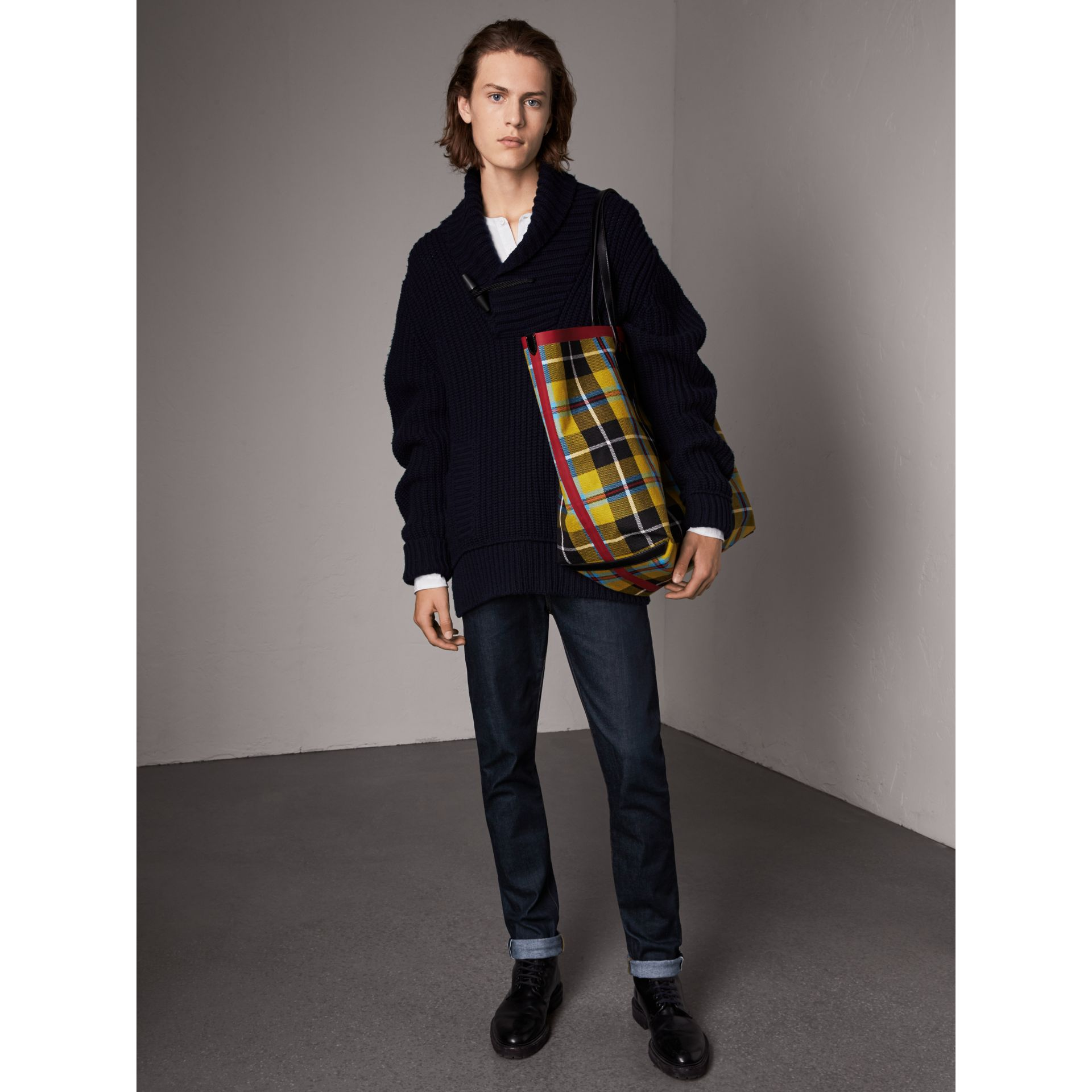 Shawl Collar Wool Cashmere Sweater in Navy - Men | Burberry Singapore - gallery image 5