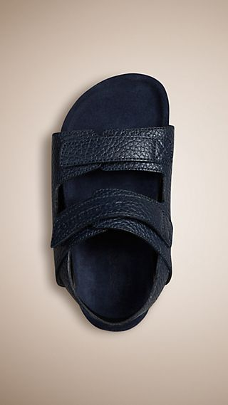 Sandales en cuir grainé