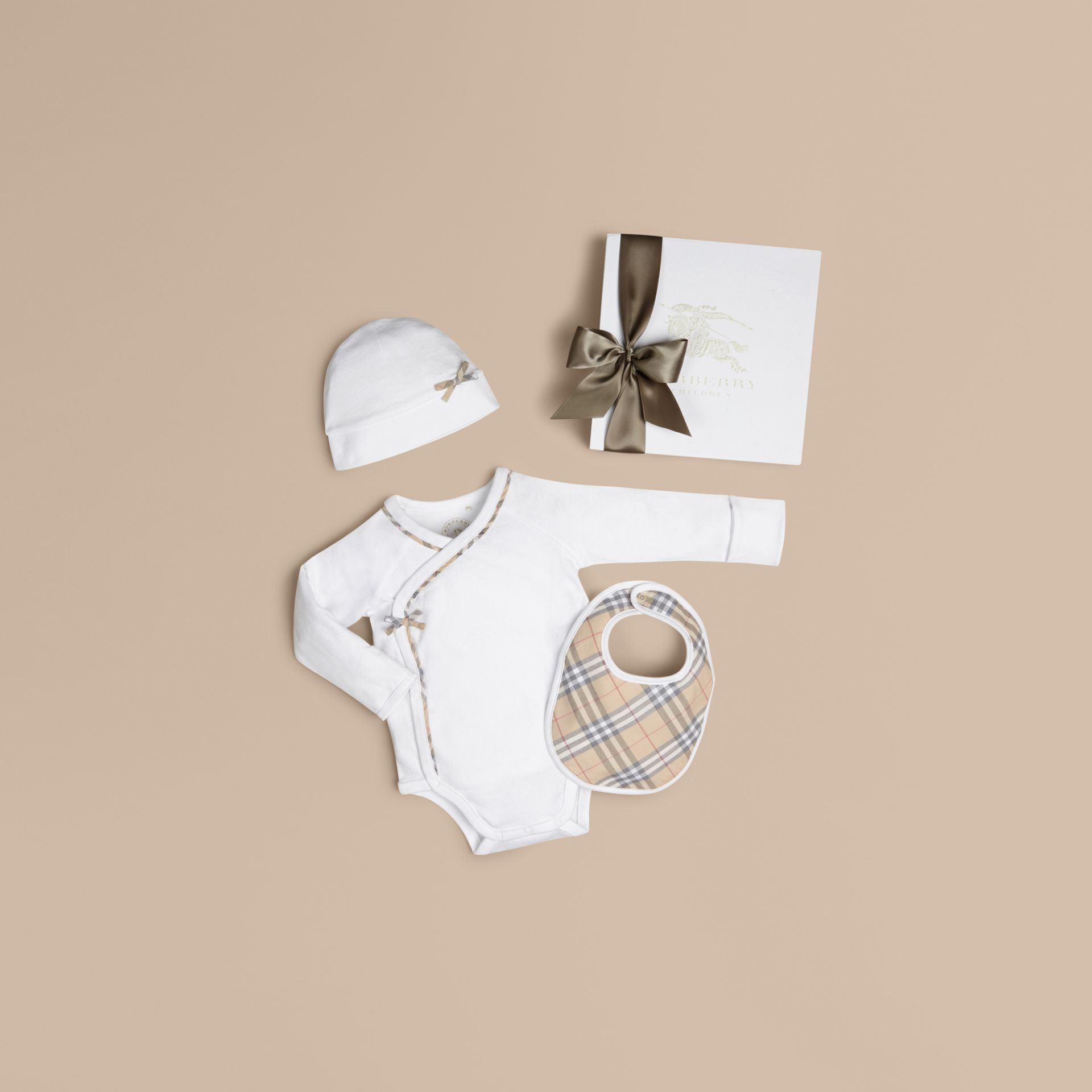 White Check Cotton Three-piece Baby Gift Set White - gallery image 1