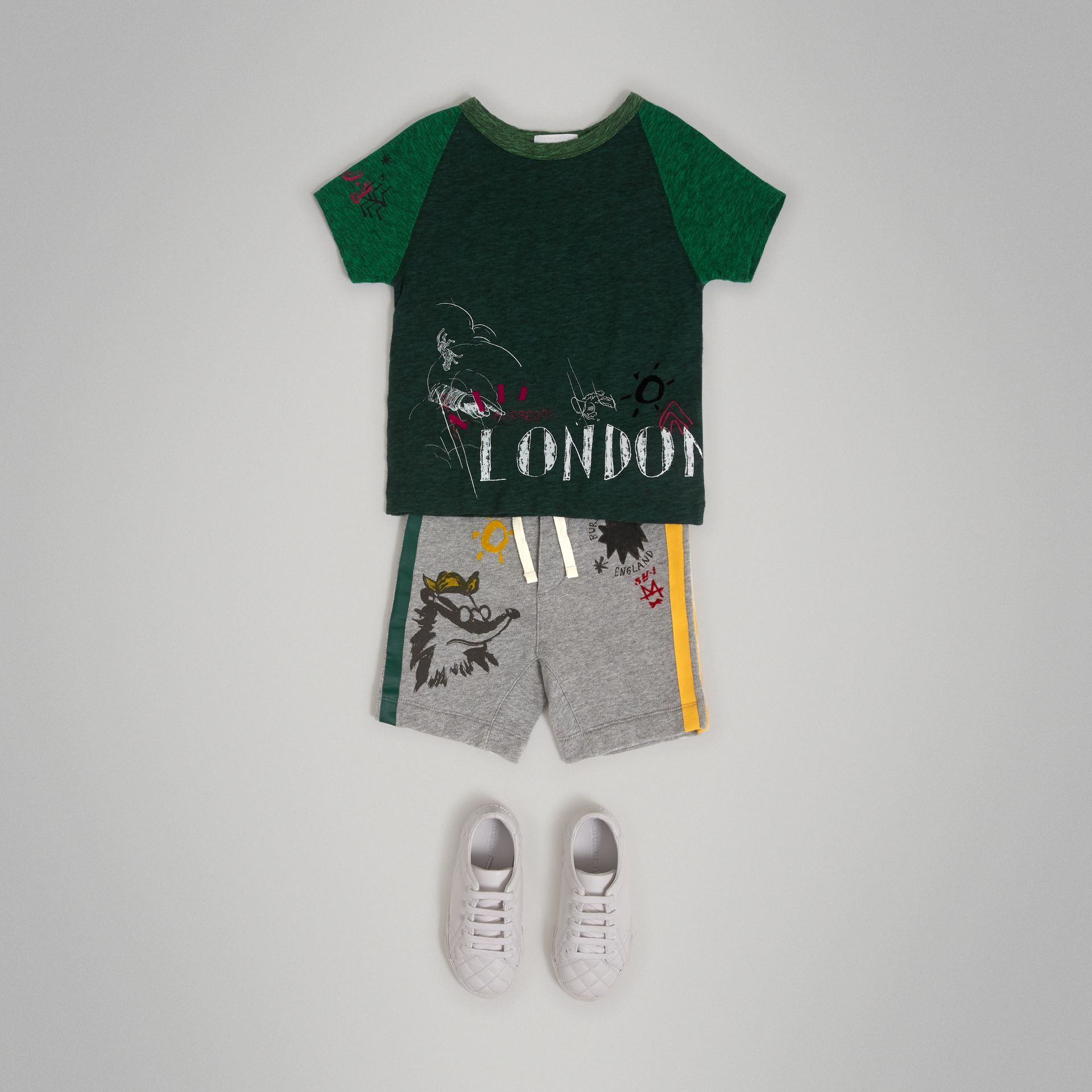 Raglan-sleeve Adventure Motif Cotton Blend T-shirt in Forest Green - Boy | Burberry - gallery image 2