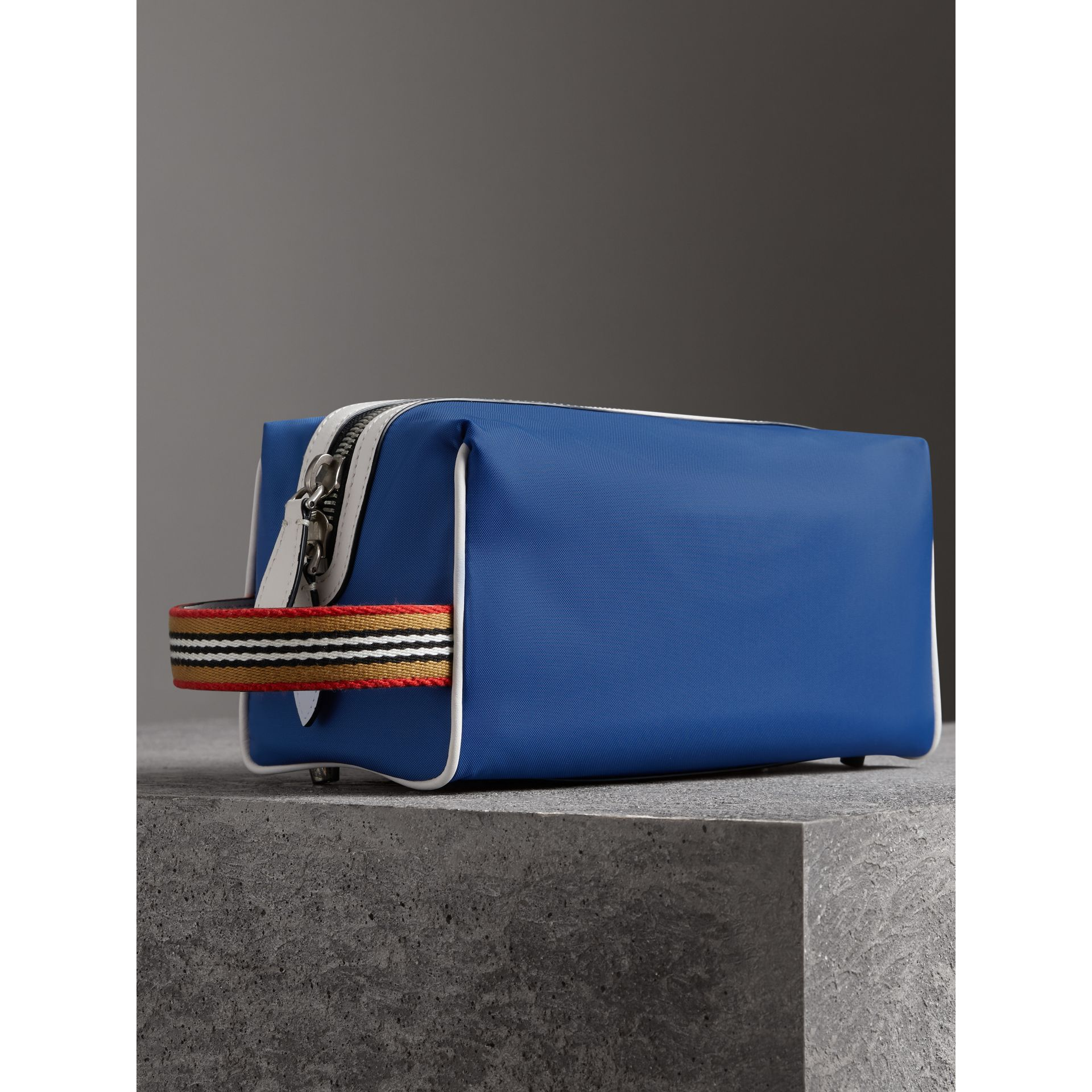 Heritage Ribbon Detail Nylon Pouch in Dark Canvas Blue | Burberry - gallery image 3