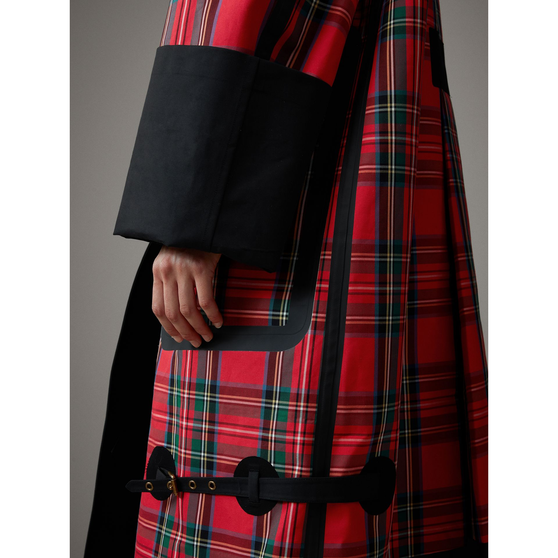 Tartan Bonded Cotton Seam-sealed Oversized Car Coat in Black - Women | Burberry United Kingdom - gallery image 2