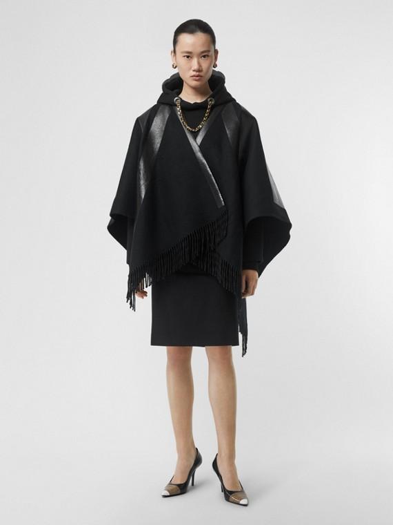 Mantella in lana e cashmere con bandiera inglese (Nero)