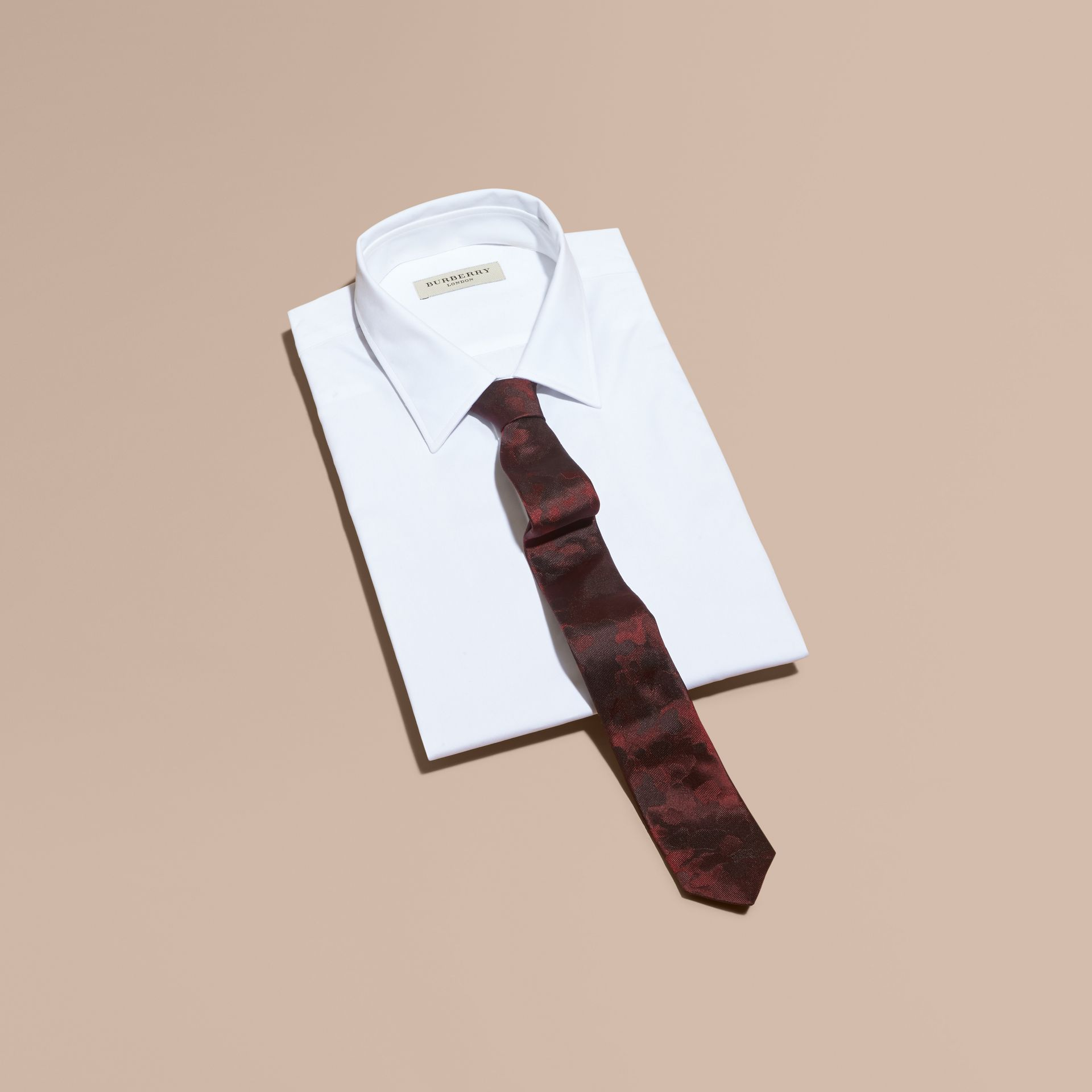Burgundy red Slim Cut Painterly Pattern Silk Tie - gallery image 3