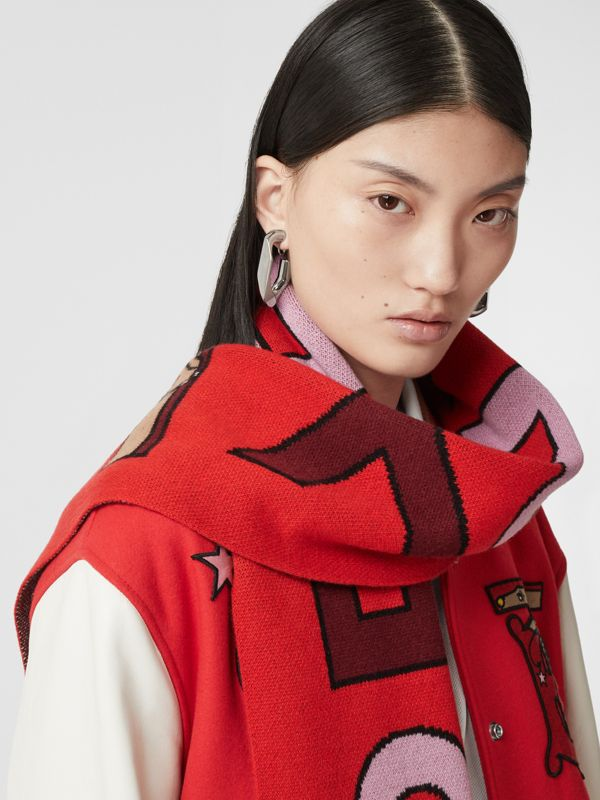 Logo and Monogram Motif Intarsia Cashmere Scarf in Bright Red | Burberry United Kingdom - cell image 2