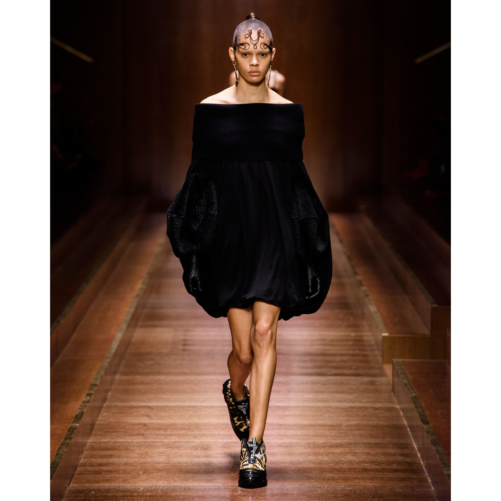 Off-the-shoulder Wool and Crepe Dress in Black - Women | Burberry - gallery image 5
