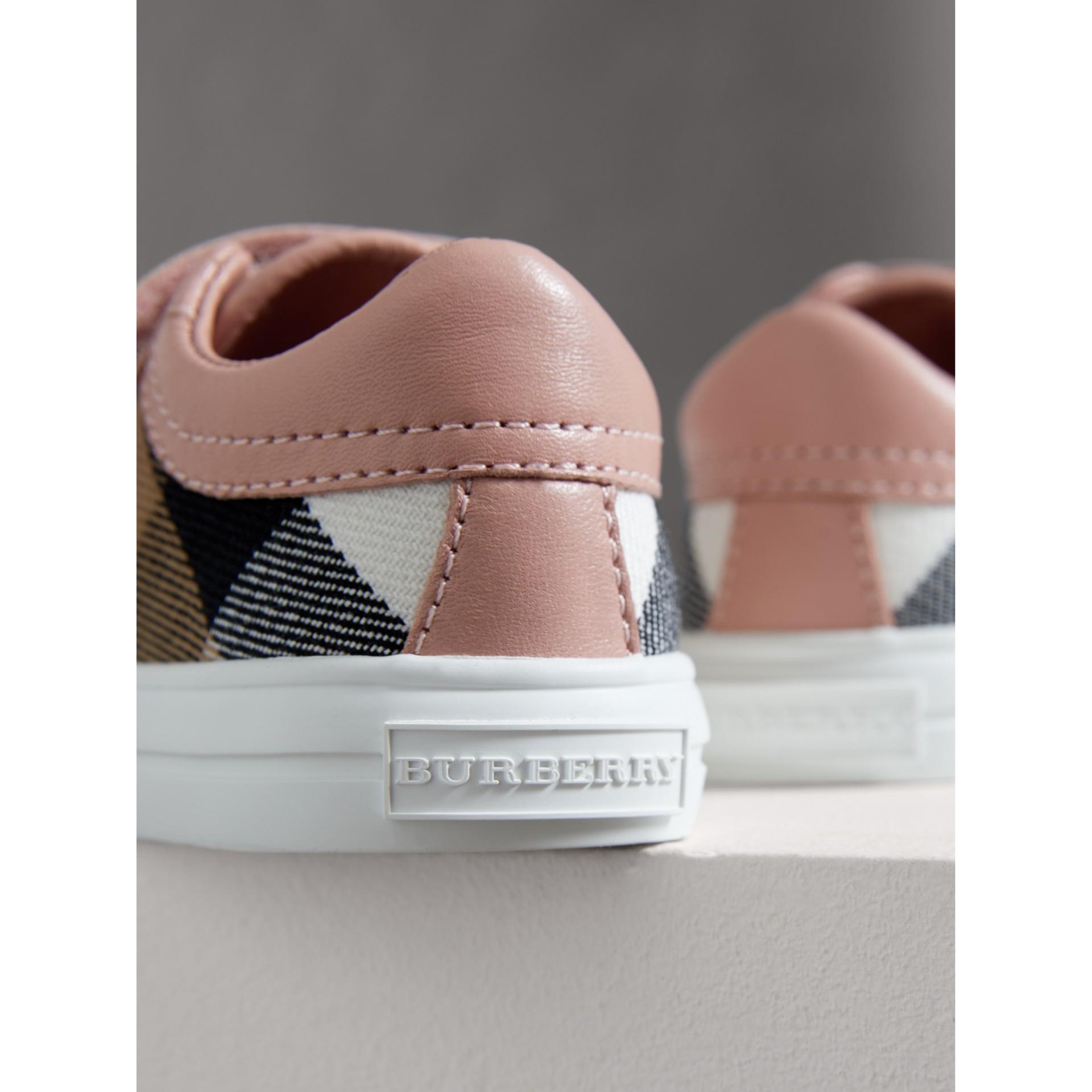 Кеды из кожи и парусины в клетку Canvas Check (Розовый Пион, Меланж) - Для детей | Burberry - изображение 2