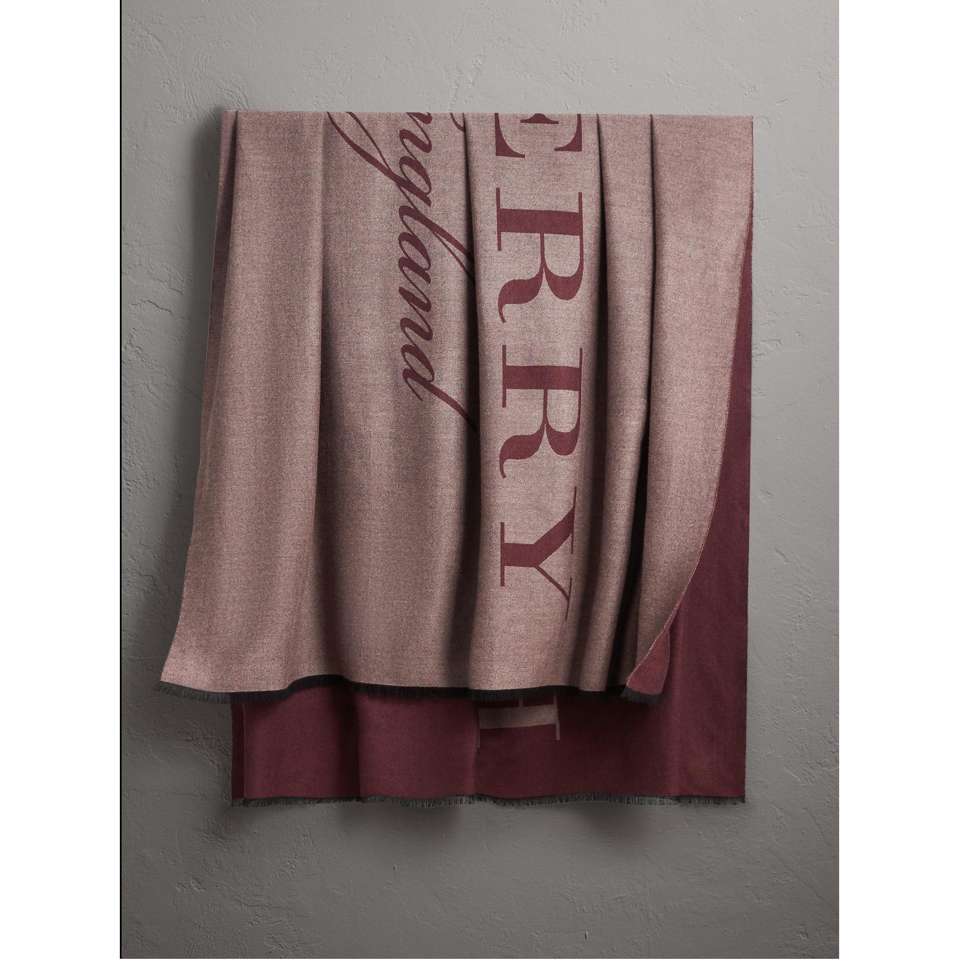 Палантин из кашемира с графическим принтом (Пепельная Роза) - Для женщин | Burberry - изображение 1