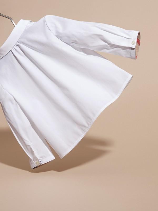 Camisa en algodón elástico con cuello Peter Pan (Blanco) | Burberry - cell image 3