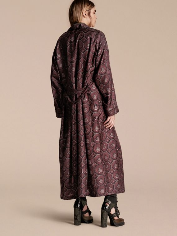 Deep claret Geometric Wallpaper Print Silk Twill Dressing Gown Coat - cell image 2