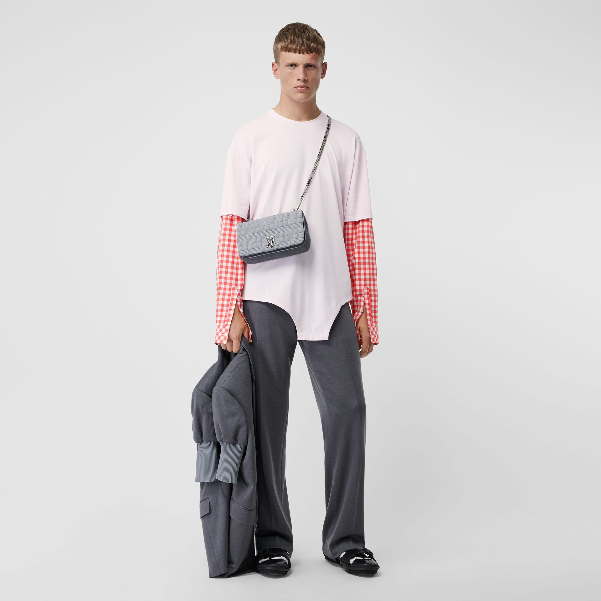 Gingham Sleeve Cut-out Hem Cotton Oversized T-shirt in Pale Pink | Burberry - gallery image 6