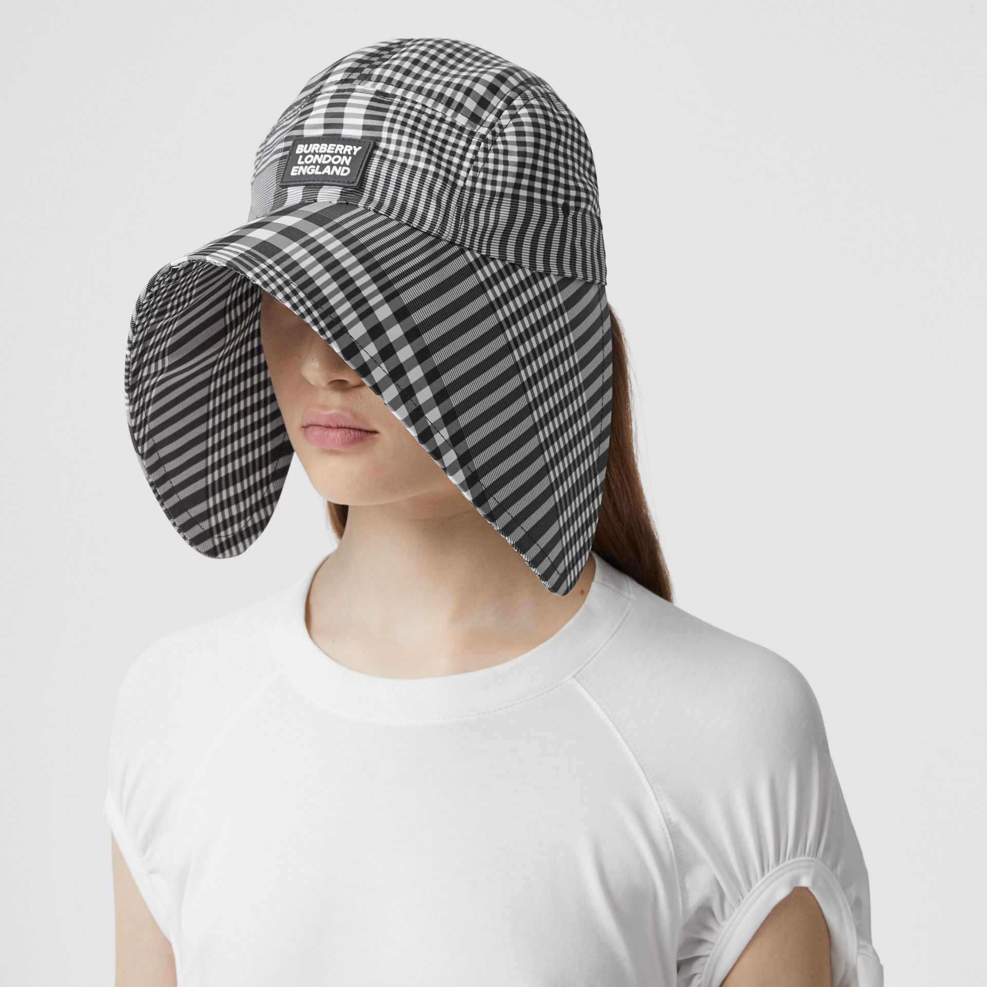 Logo Appliqué Check Bonnet Cap in Black/white | Burberry United Kingdom - gallery image 2